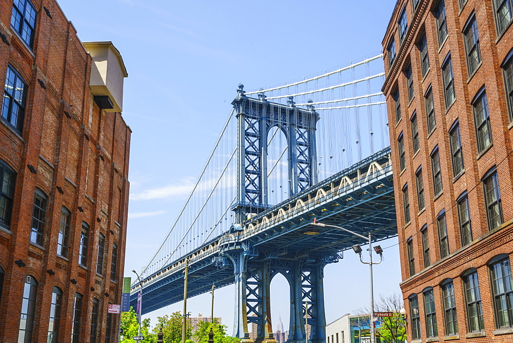 Manhattan Bridge, viewed from DUMBO, Brooklyn, New York City, United States of America, North America