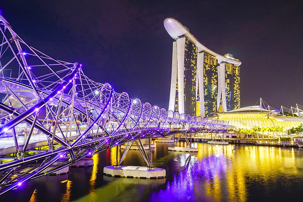 Helix Bridge leading to the Marina Bay Sands, Marina Bay, Singapore, Southeast Asia, Asia
