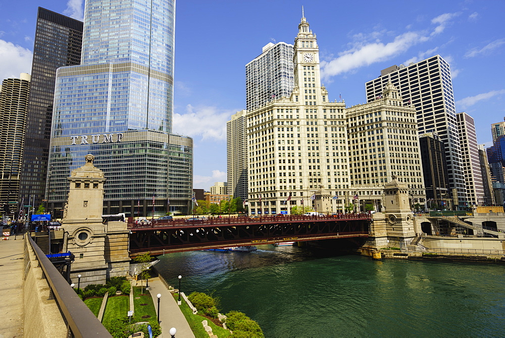 Trump Tower and Wrigley Building on the Chicago River, Chicago, Illinois, United States of America, North America
