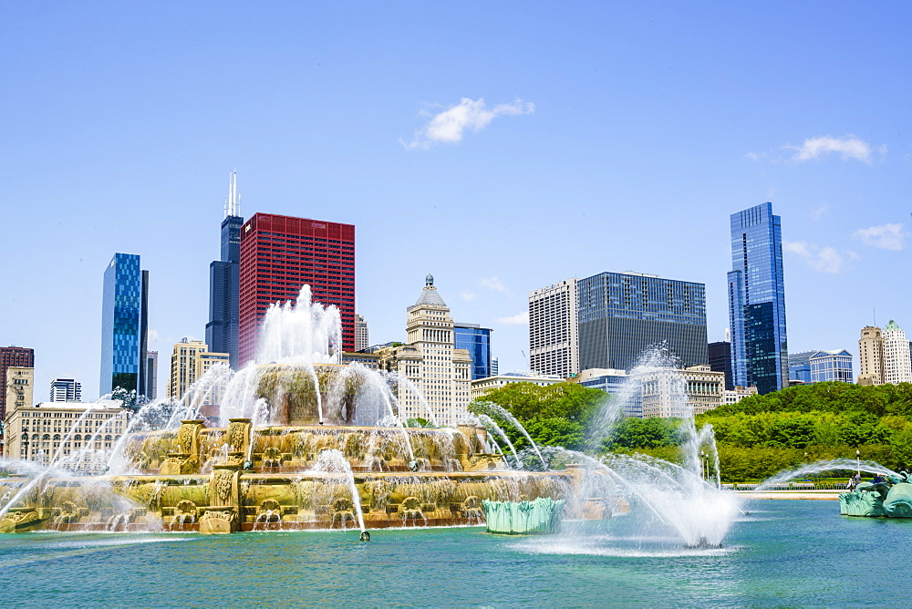 Buckingham Fountain, Grant Park, Chicago, Illinois, United States of America, North America