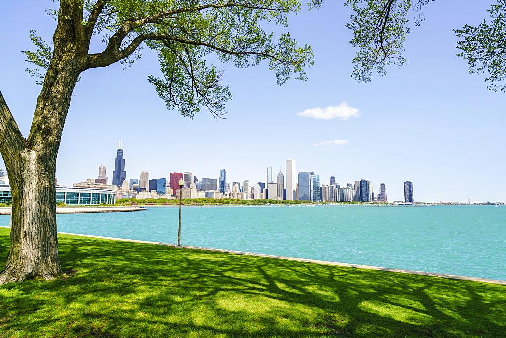 Lake Michigan and city skyline Chicago, Illinois