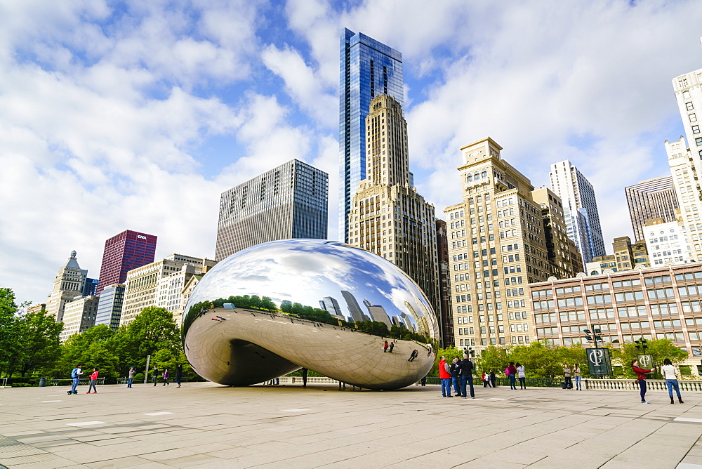 Millennium Park and the Cloud Gate sculpture, Chicago, Illinois, United States of America, North America