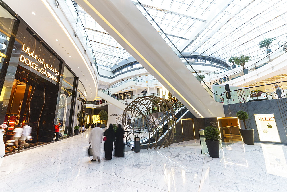 Fashion Avenue in Dubai Mall, the World's largest shopping mall, Dubai, United Arab Emirates, Middle East