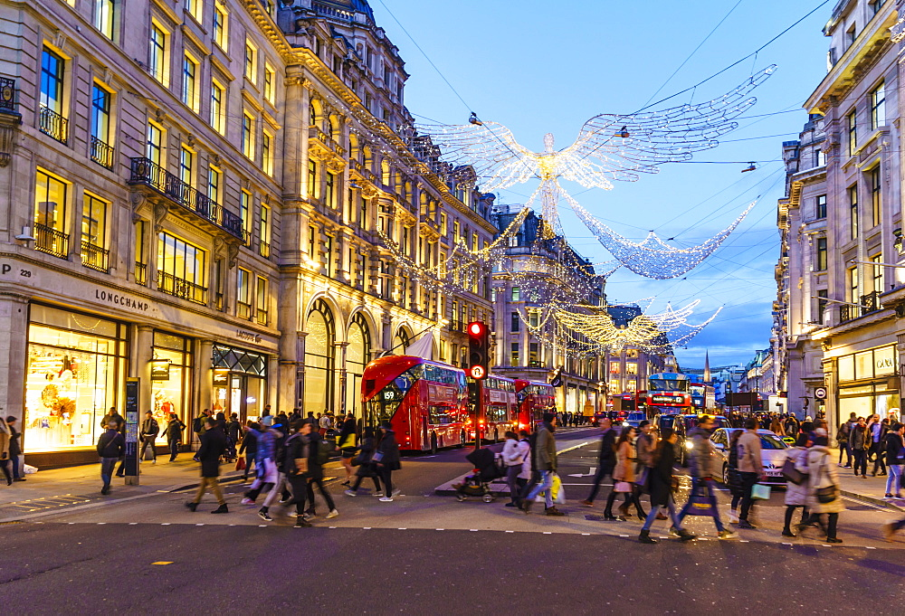 Christmas shoppers, Regent Street, London, England, United Kingdom, Europe