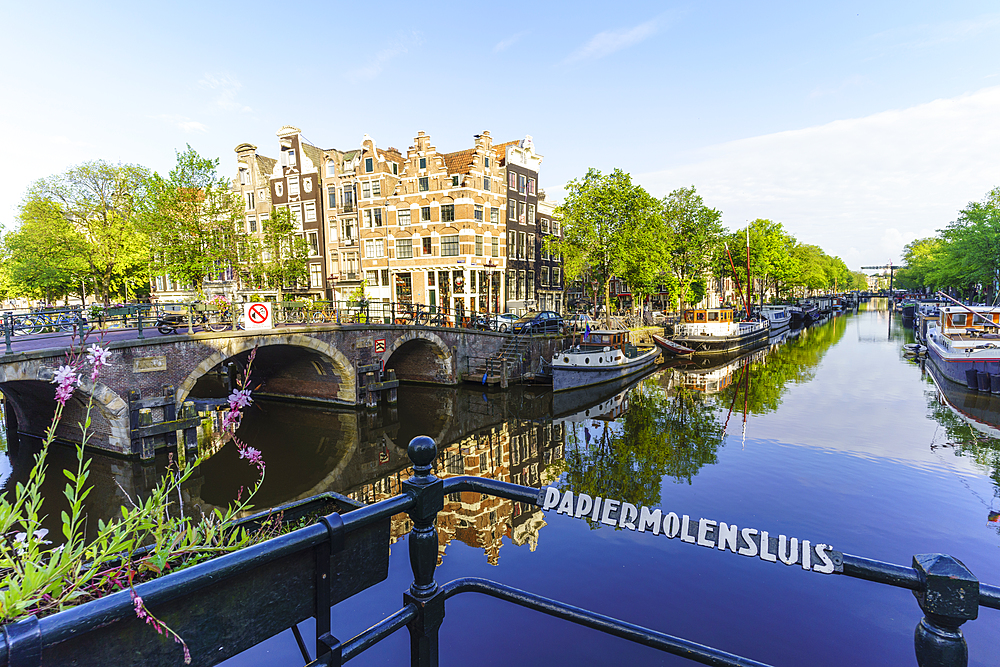 Brouwersgracht Canal, Amsterdam, North Holland, The Netherlands, Europe - 1226-916