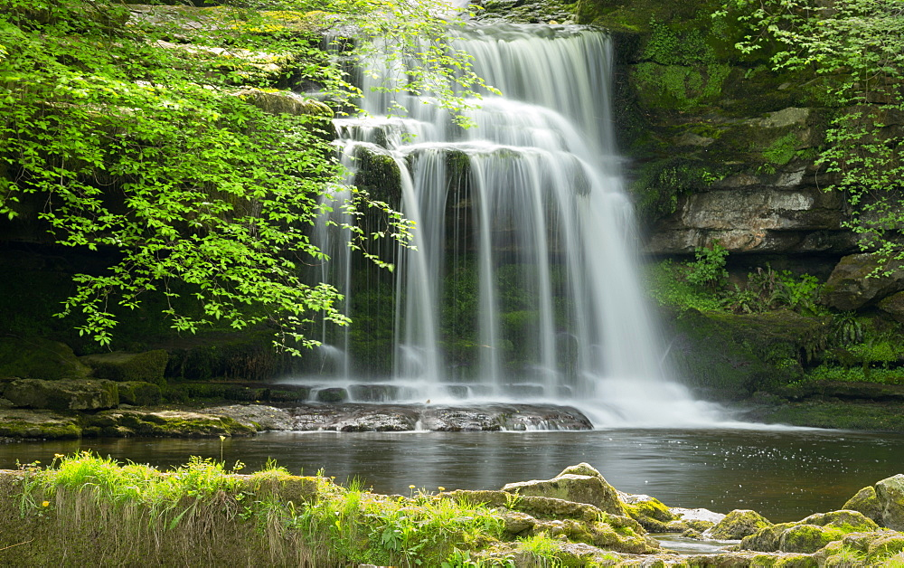 Waterfall, West Burton Village, Wensleydale, The Yorkshire Dales National Park, England, United Kingdom, Europe