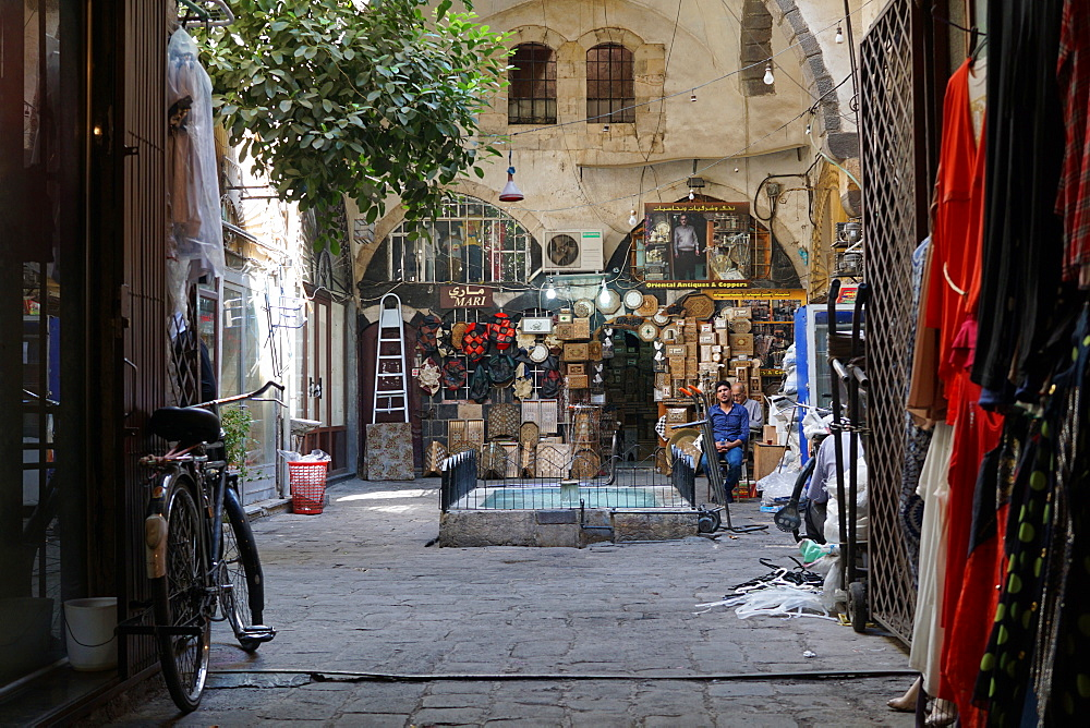 A local souk vendor waits for his next customer, Damascus, Syria, Middle East - 1234-4