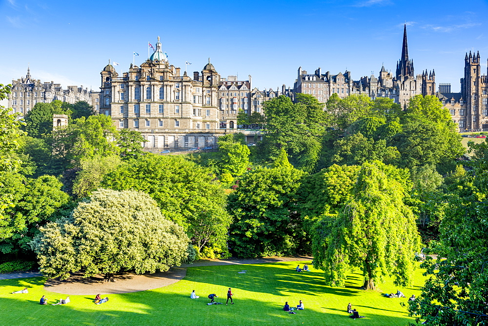 Princes Street Gardens and The Mound, Edinburgh, Scotland, United Kingdom, Europe - 1237-198