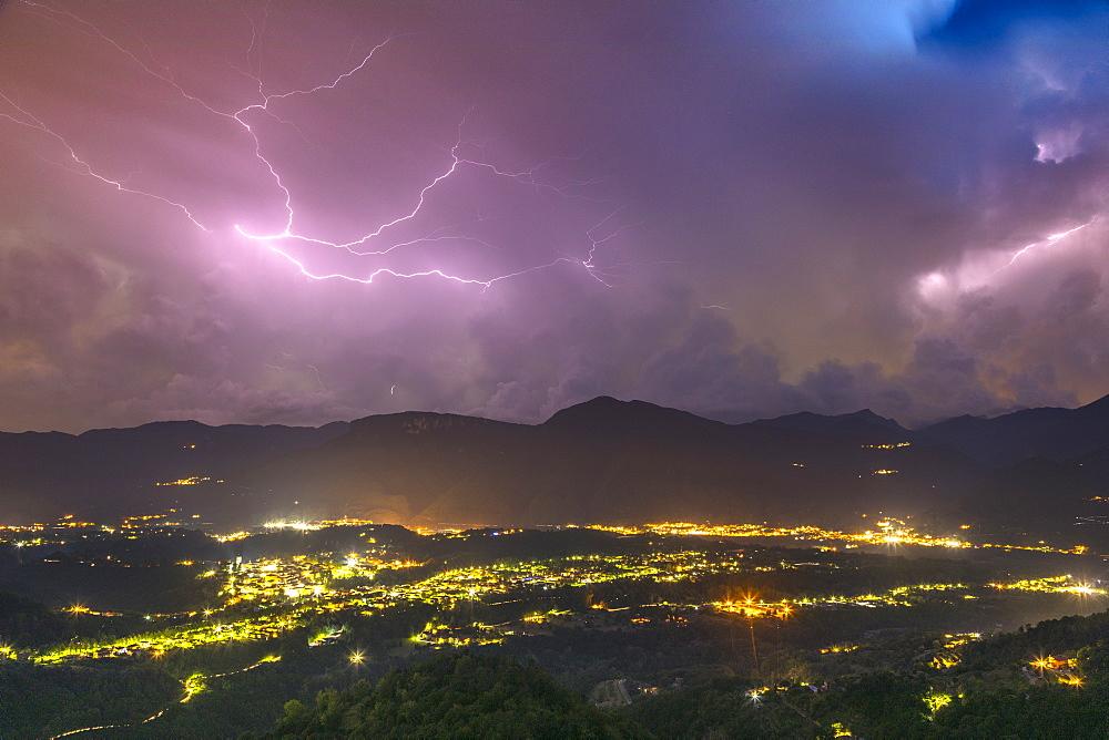 Lightning storm, Val di Serchio, Tuscany, Italy, Europe.