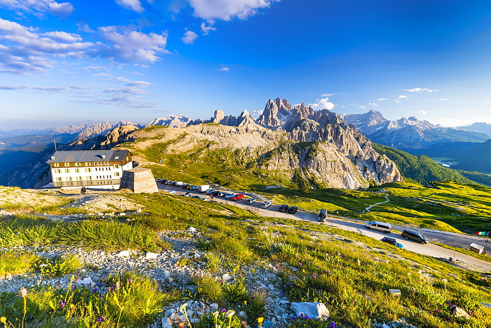 Rifugio Auronzo, Cadini mountain group (Cima Cadin), Dolomites, UNESCO World Heritage Site, Veneto, Italy, Europe