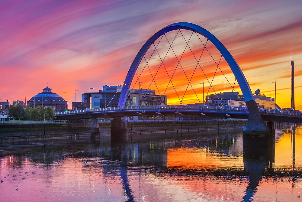 Clyde Arc (Squinty Bridge) at sunset, Glasgow, Scotland, United Kingdom, Europe