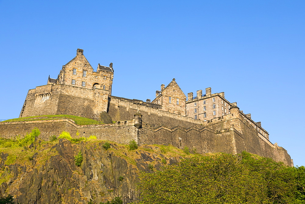 Edinburgh Castle, UNESCO World Heritage Site, Lothian, Scotland, United Kingdom, Europe - 1237-74