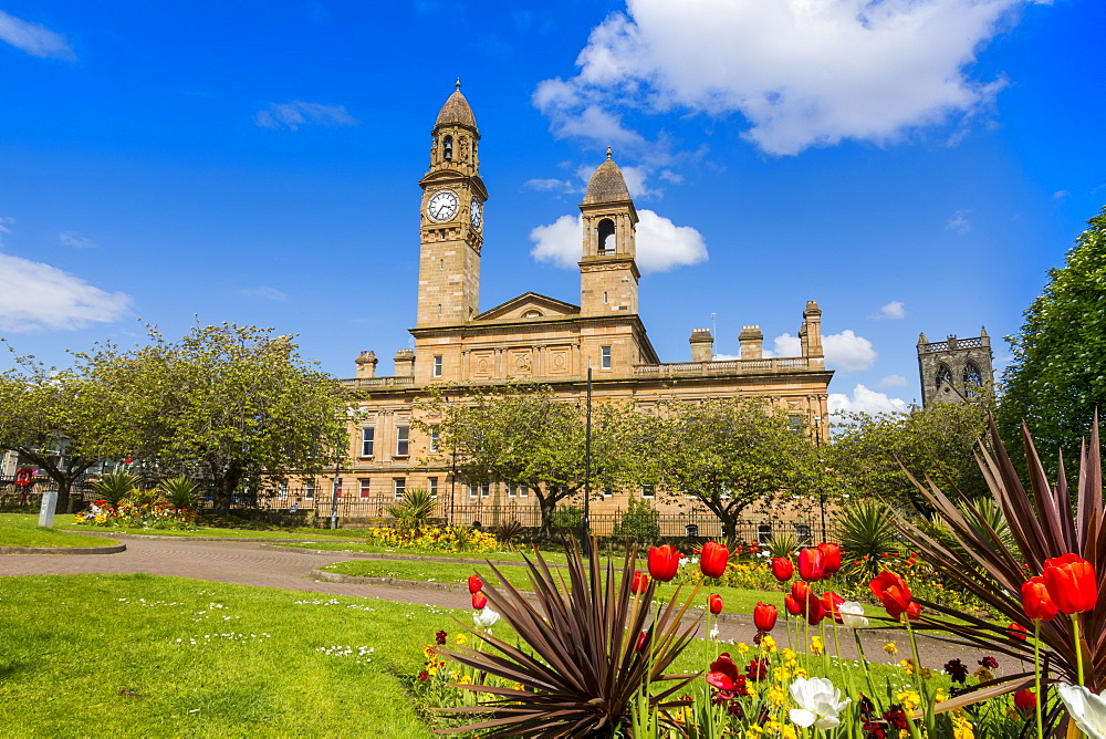 Paisley Town Hall and gardens at Dunn Square, Paisley, Renfrewshire, Scotland, United Kingdom, Europe - 1237-77
