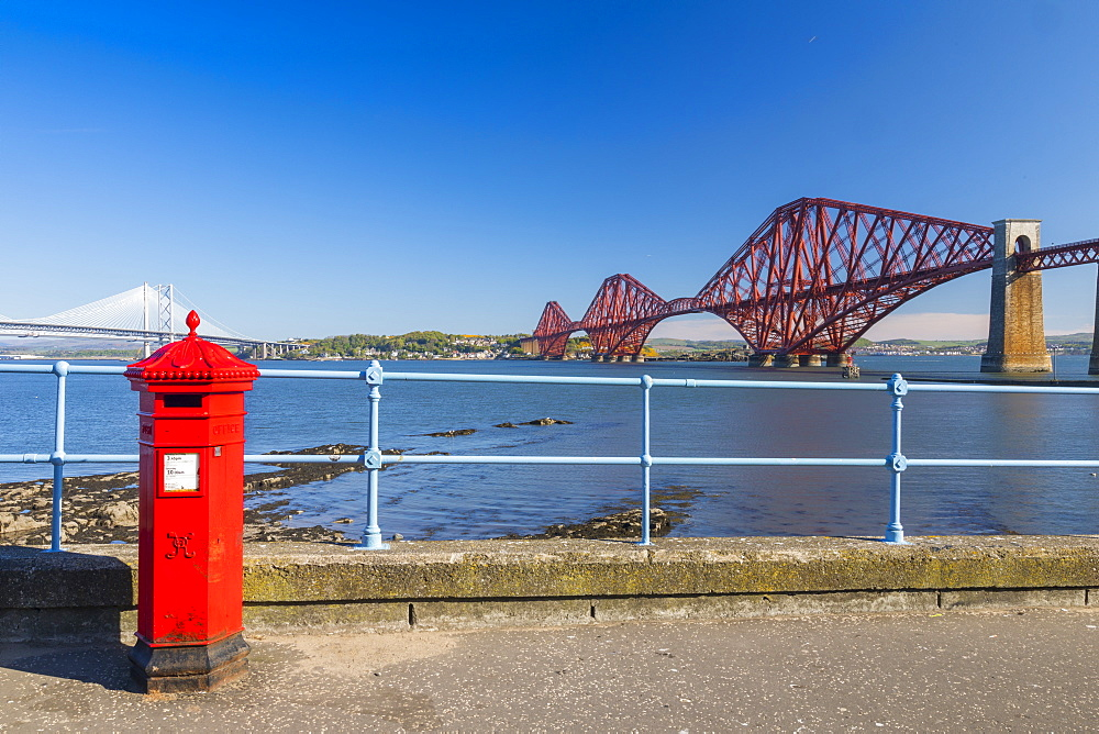 Post Box and Forth Railway Bridge, UNESCO World Heritage Site, Lothian, Scotland, United Kingdom, Europe - 1237-86