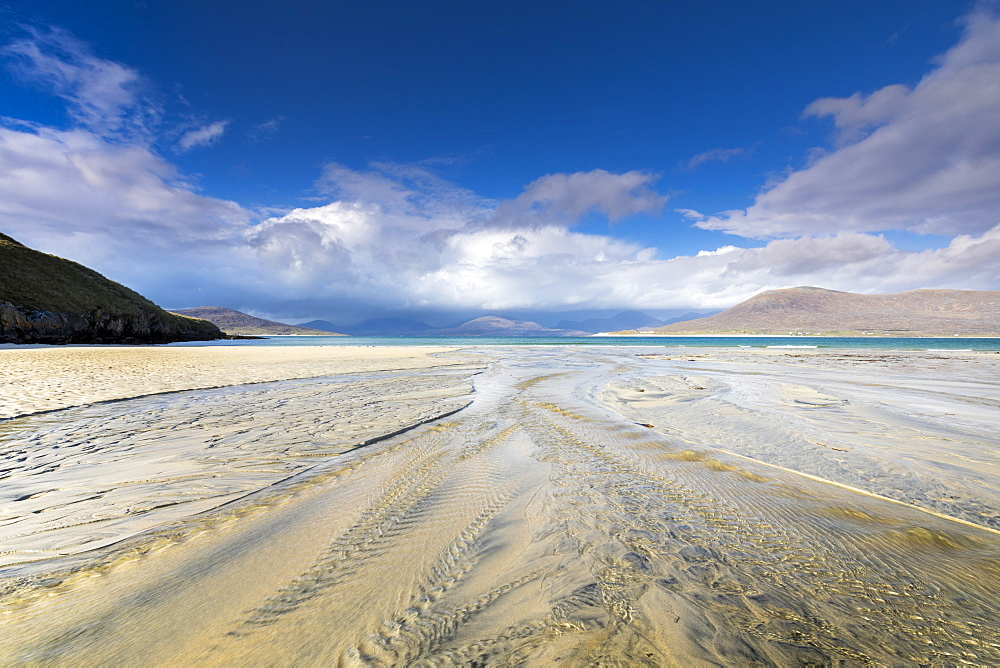 Horgabost beach, facing the island of Taransay, Isle of Harris, Outer Hebrides, Scotland, United Kingdom, Europe - 1237-90