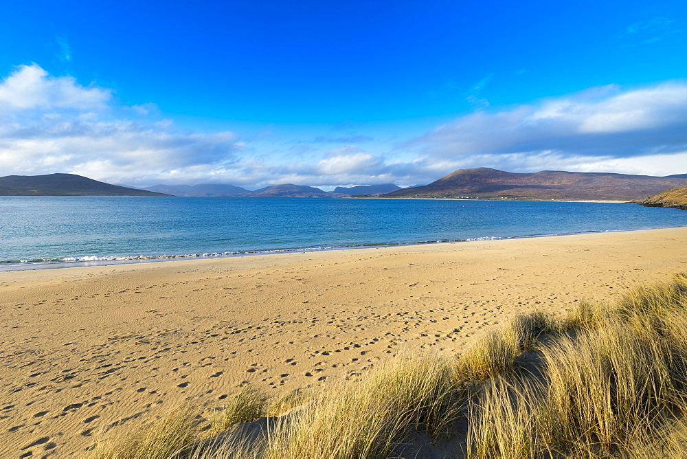 Horgabost beach, facing the island of Taransay, Isle of Harris, Outer Hebrides, Scotland, United Kingdom, Europe