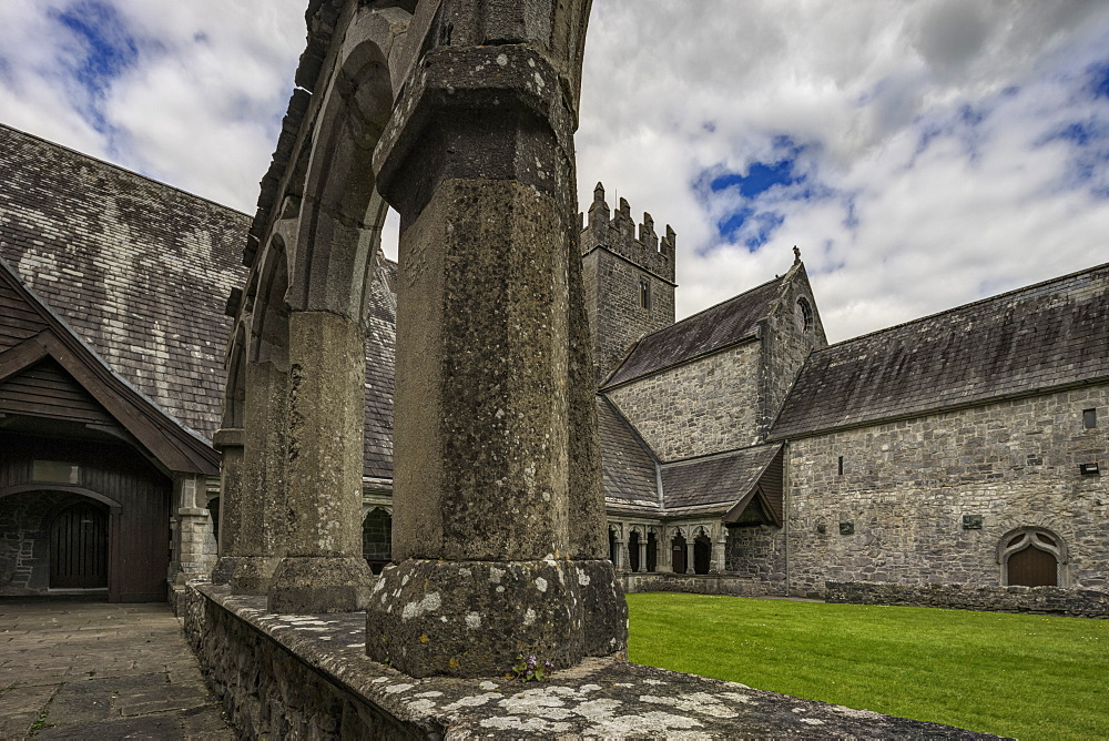 Holy Cross Abbey, County Tipperary, Munster, Republic of Ireland, Europe