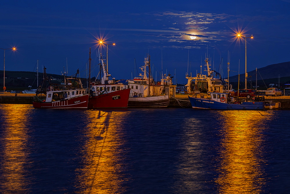Full Moon, Dingle Harbour, County Kerry, Munster, Republic of Ireland, Europe