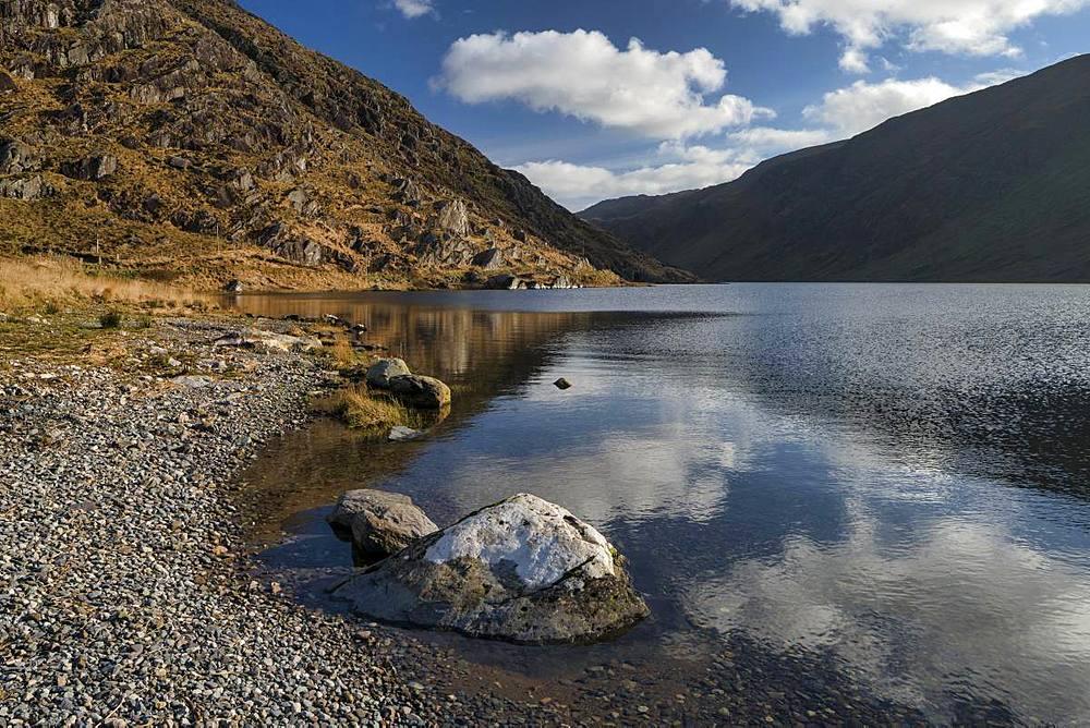 Glenbeg Lake, Beara Peninsula, County Kerry, Munster, Republic of Ireland, Europe - 1240-265