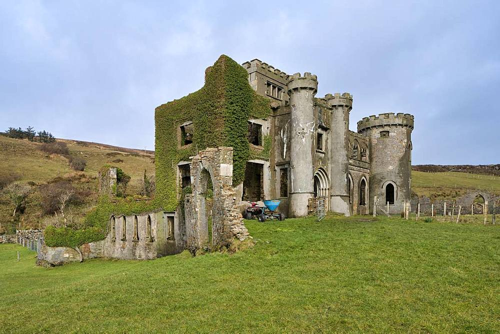 Clifden Castle, County Galway, Connacht, Republic of Ireland, Europe - 1240-270