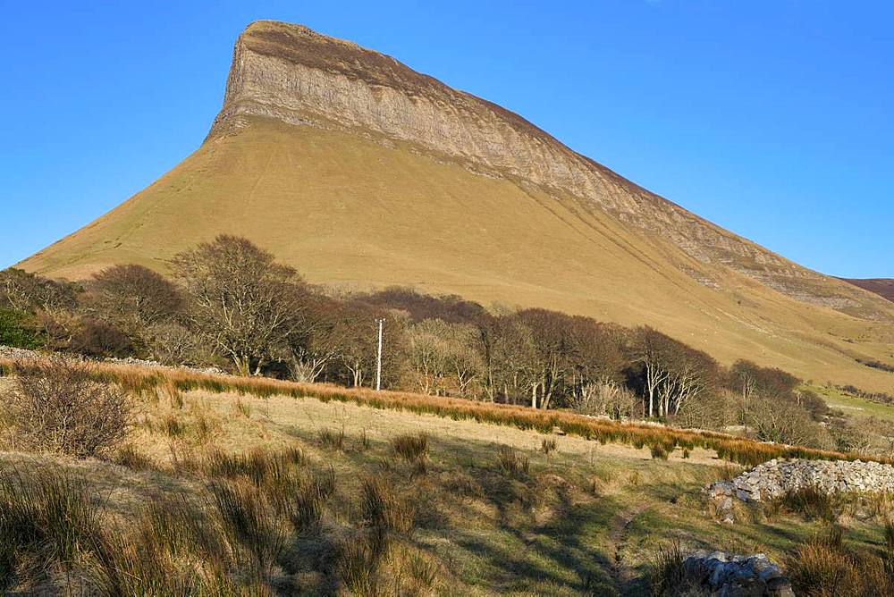Ben Bulben, County Sligo, Connacht, Republic of Ireland, Europe