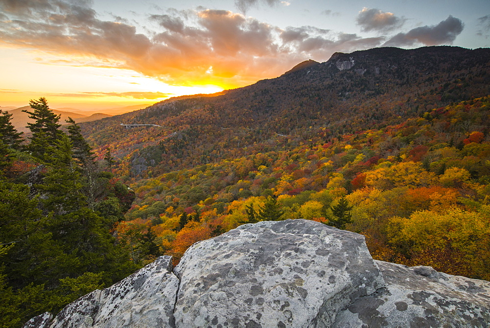 Sunset and autumn color at Grandfather Mountain, located on the Blue Ridge Parkway, North Carolina, United States of America, North America - 1241-6
