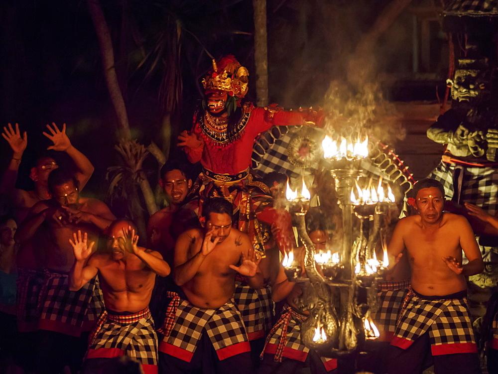 Dancers in Ubud, Bali, Indonesia, Southeast Asia, Asia