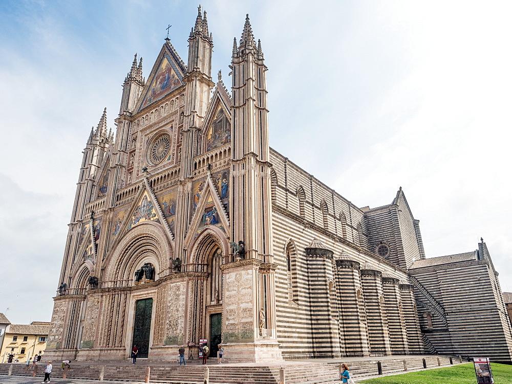 Orvieto Cathedral (Duomo), Orvieto, Tuscany, Italy, Europe - 1242-244