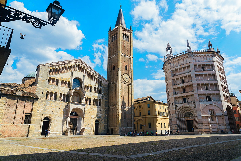 The Duomo di Parma (Parma Cathedral), an important 12th century Romanesque cathedral filled with Renaissance art, Parma, Emilia-Romagna, Italy, Europe - 1243-144