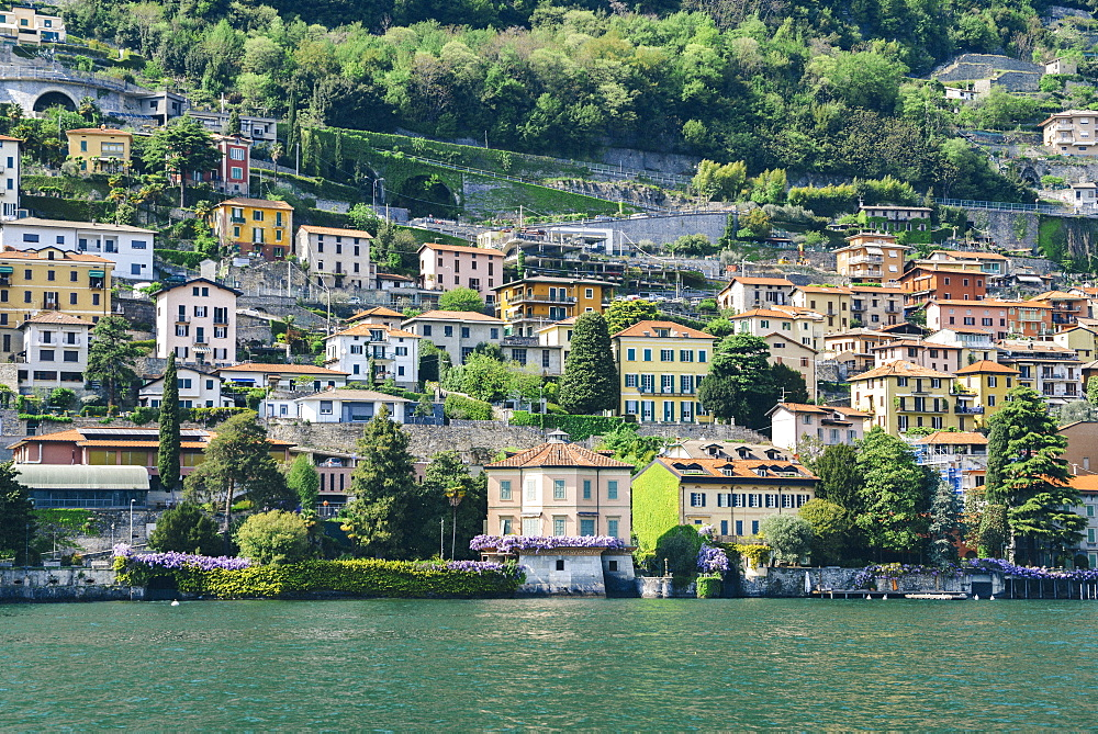 Beautiful Italian villas on waterfront of Lake Como, Lombardy, Italian Lakes, Italy, Europe