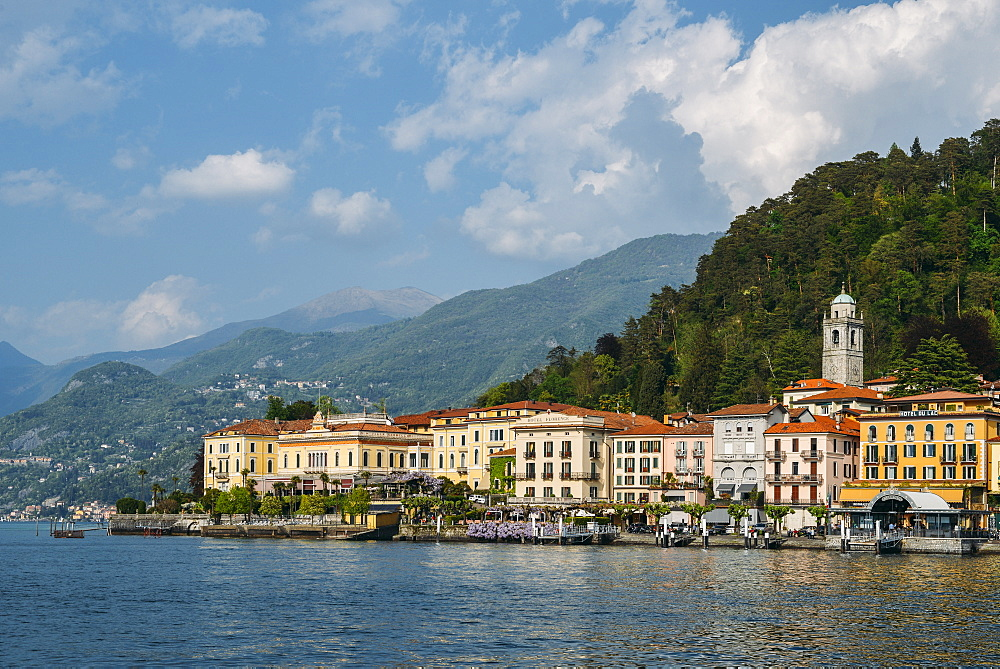 Bellagio waterfront with traditional buildings and terraces, Bellagio, Lake Como, Lombardy, Italian Lakes, Italy, Europe - 1243-257
