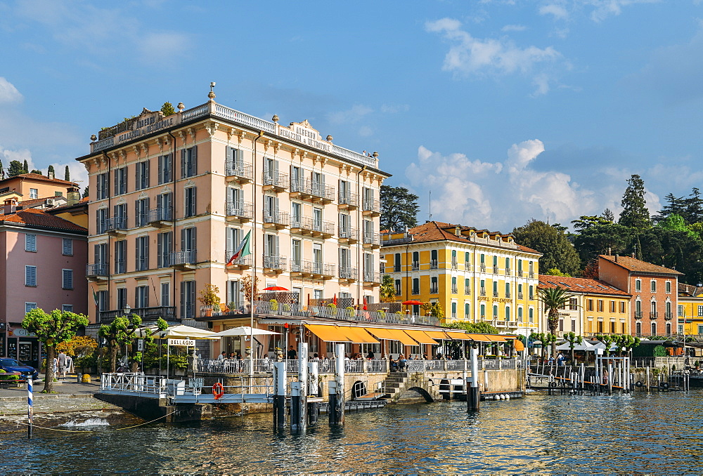 Bellagio waterfront with traditional buildings and terraces, Bellagio, Lake Como, Lombardy, Italian Lakes, Italy, Europe - 1243-258