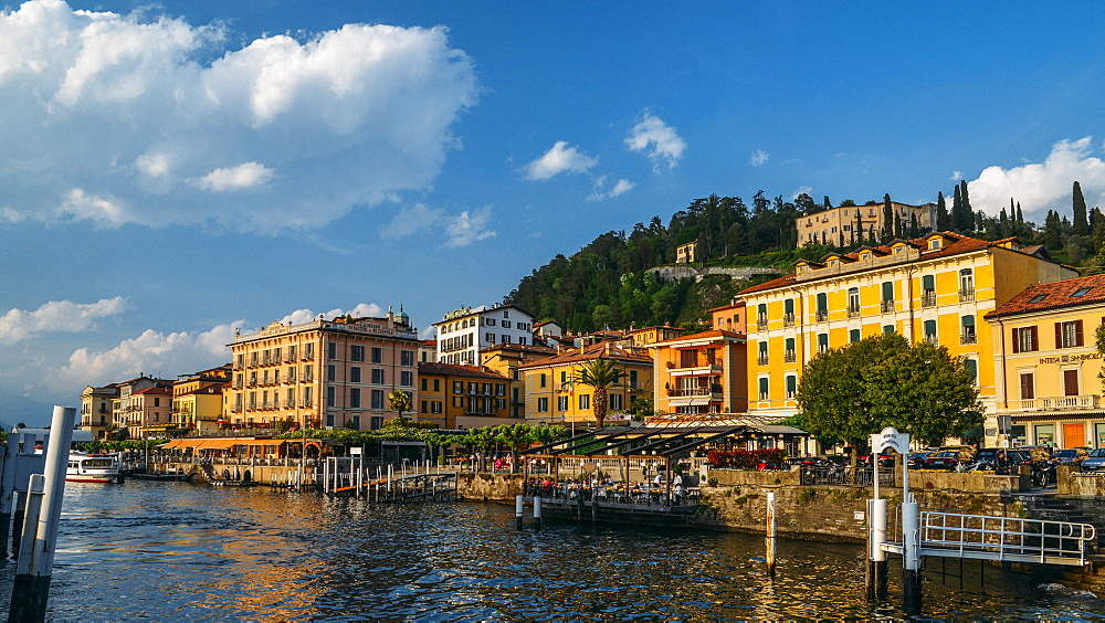Traditional buildings and restaurant terraces in Bellagio, Lake Como, Lombardy, Italian Lakes, Italy, Europe - 1243-259