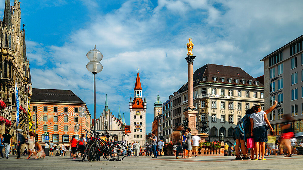 Tourists at Marienplatz, Munich, Bavaria, Germany