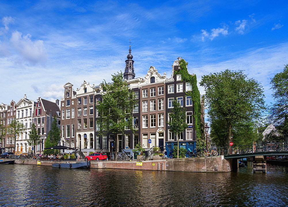 Houses by the Kloveniersburgwal Canal, Amsterdam, North Holland, The Netherlands, Europe