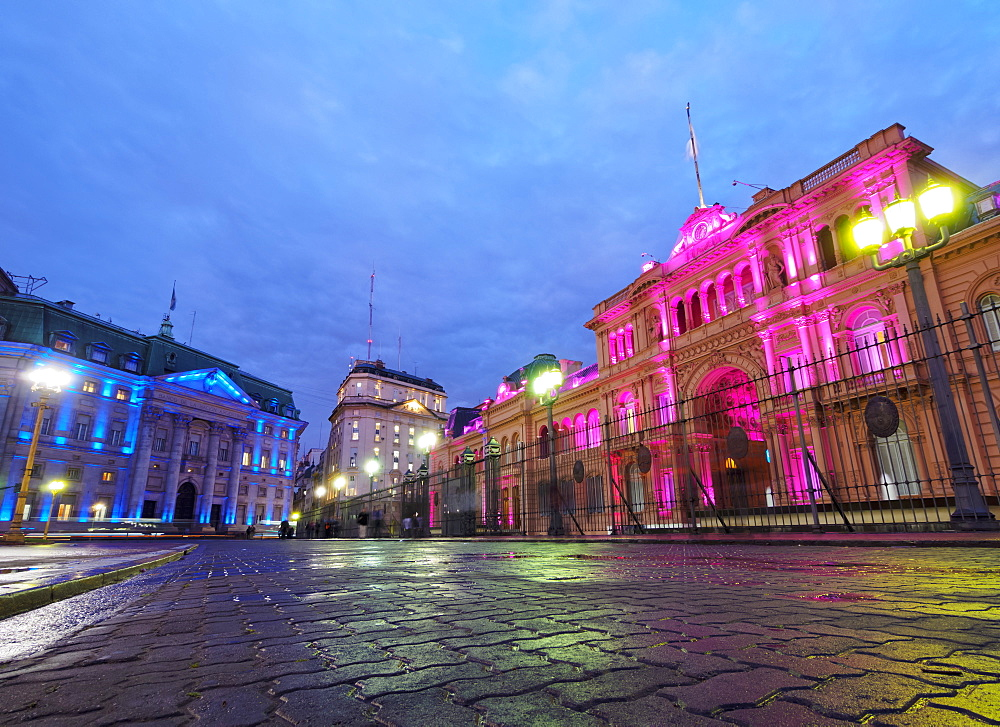 Twilight view of the Casa Rosada and Banco de la Nacion, City of Buenos Aires, Buenos Aires Province, Argentina, South America