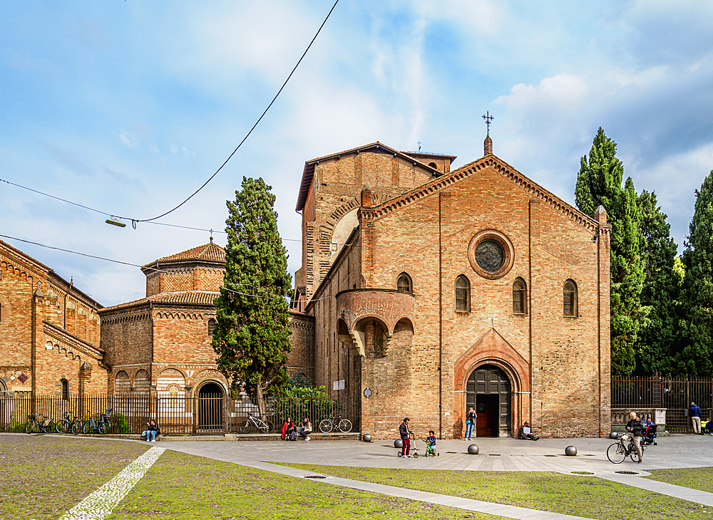 Basilica and Sanctuary of Santo Stefano, Bologna, Emilia-Romagna, Italy, Europe