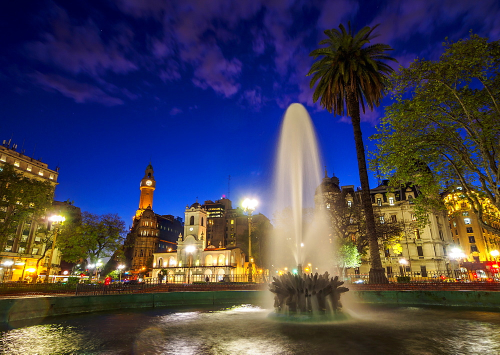 Twilight view of the Plaza de Mayo, Monserrat, City of Buenos Aires, Buenos Aires Province, Argentina, South America