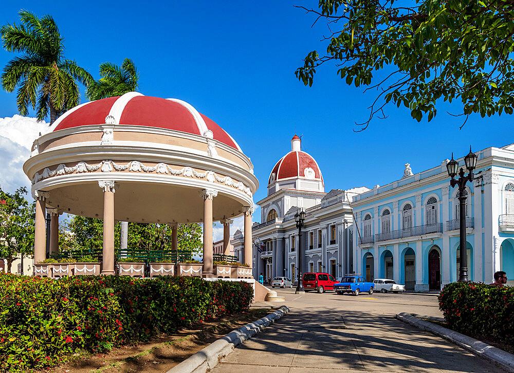 Jose Marti Park and Palacio de Gobierno, Main Square, Cienfuegos, UNESCO World Heritage Site, Cienfuegos Province, Cuba, West Indies, Caribbean, Central America - 1245-1847