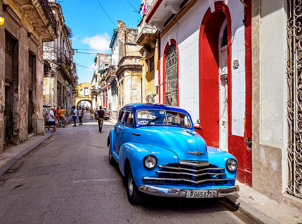 Vintage car in the street of La Habana Vieja, Havana, La Habana Province, Cuba, West Indies, Caribbean, Central America