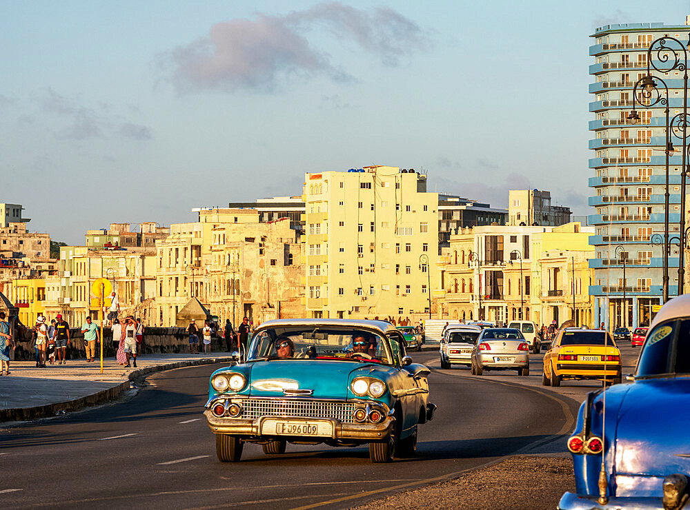 El Malecon at sunset, Havana, La Habana Province, Cuba, West Indies, Caribbean, Central America