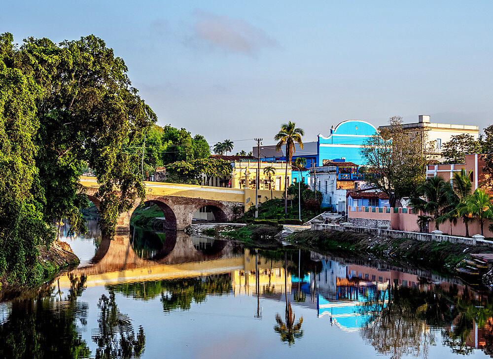 Yayabo Bridge, Sancti Spiritus, Sancti Spiritus Province, Cuba, West Indies, Caribbean, Central America - 1245-1886