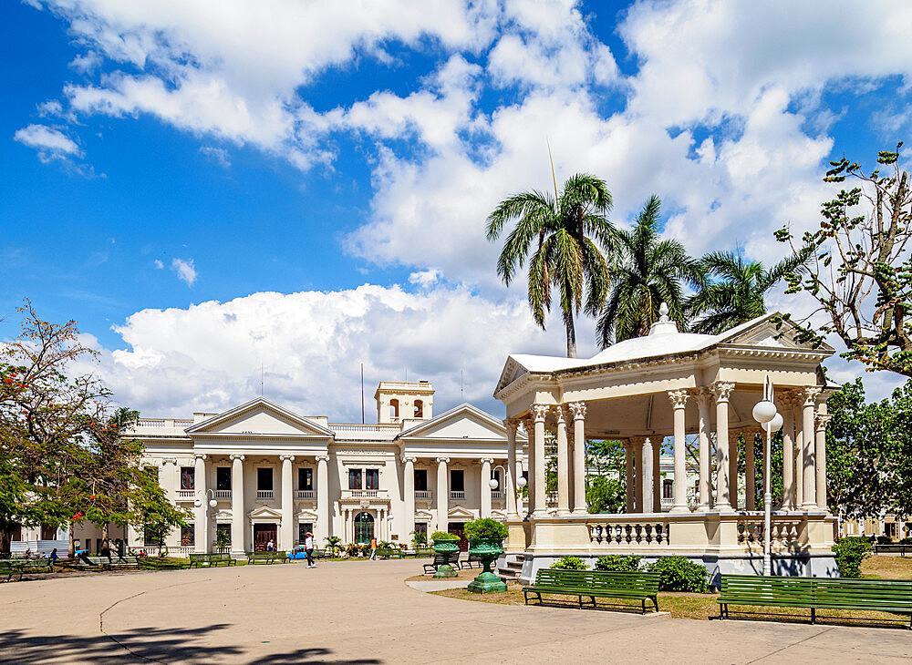 Former City Hall, now Jose Marti Library, Parque Vidal, Santa Clara, Villa Clara Province, Cuba, West Indies, Caribbean, Central America - 1245-1890