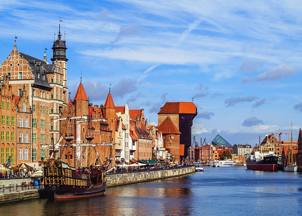 Poland, Pomeranian Voivodeship, Gdansk, Old Town, Ships on the Motlawa River