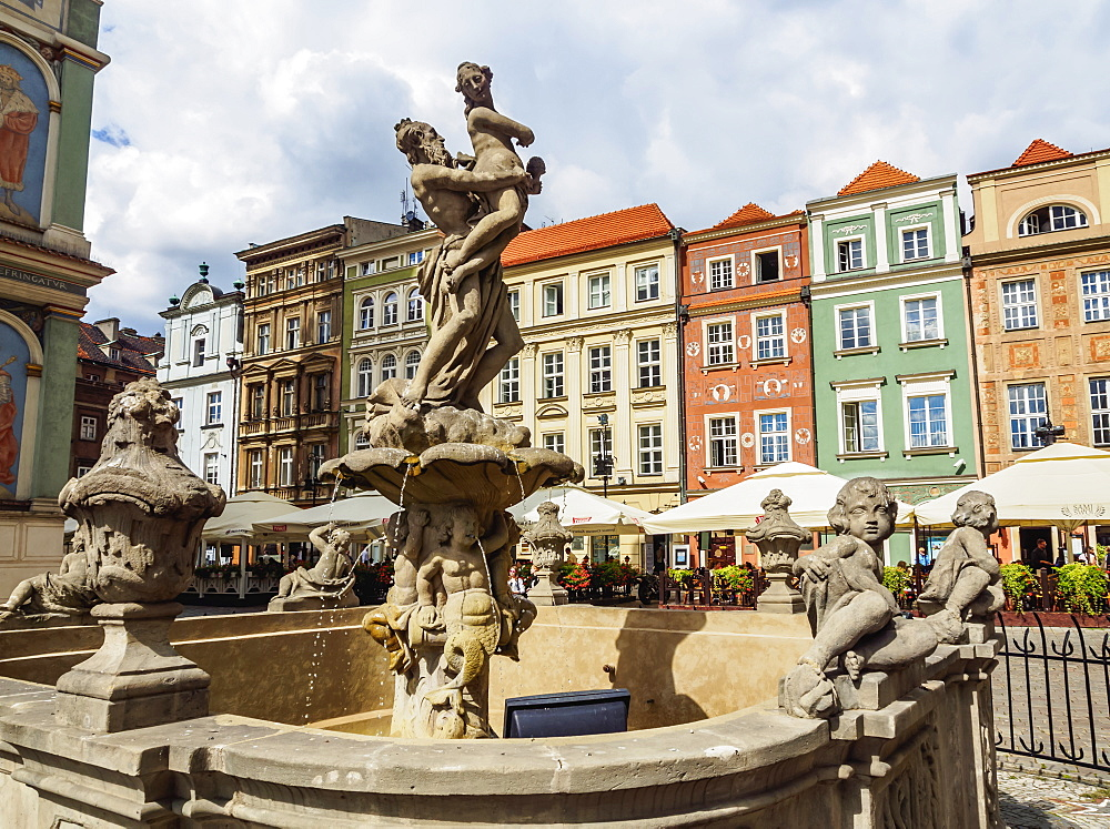 Market Square and Fountain of Proserpine, Old Town, Poznan, Greater Poland, Poland, Europe