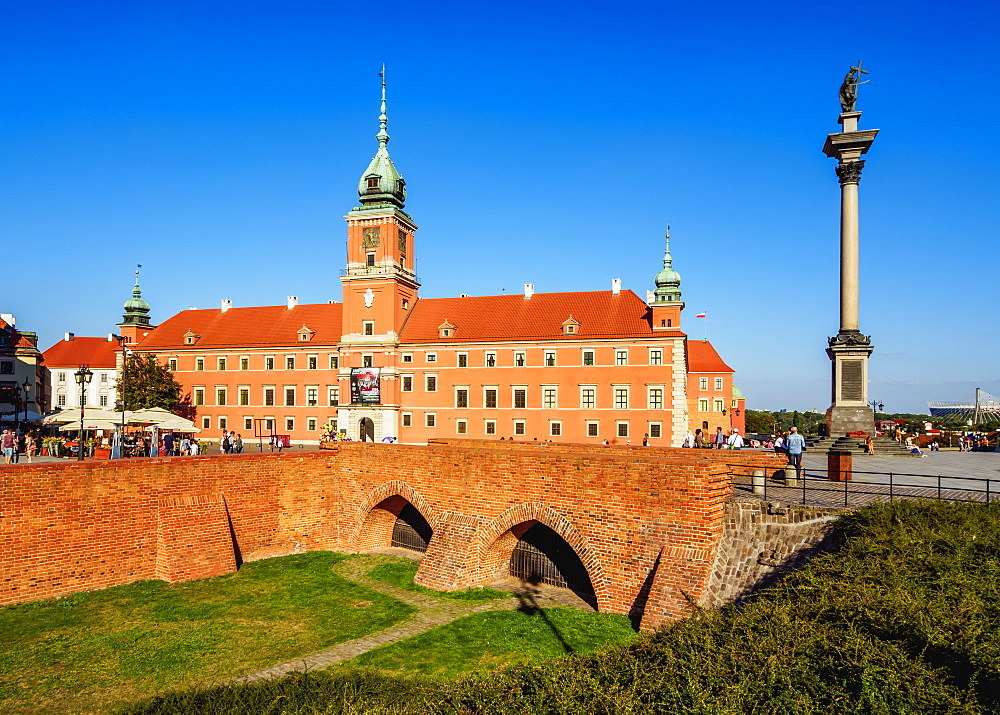 Poland, Masovian Voivodeship, Warsaw, Old Town, Castle Square, Royal Castle and Sigismund's Column