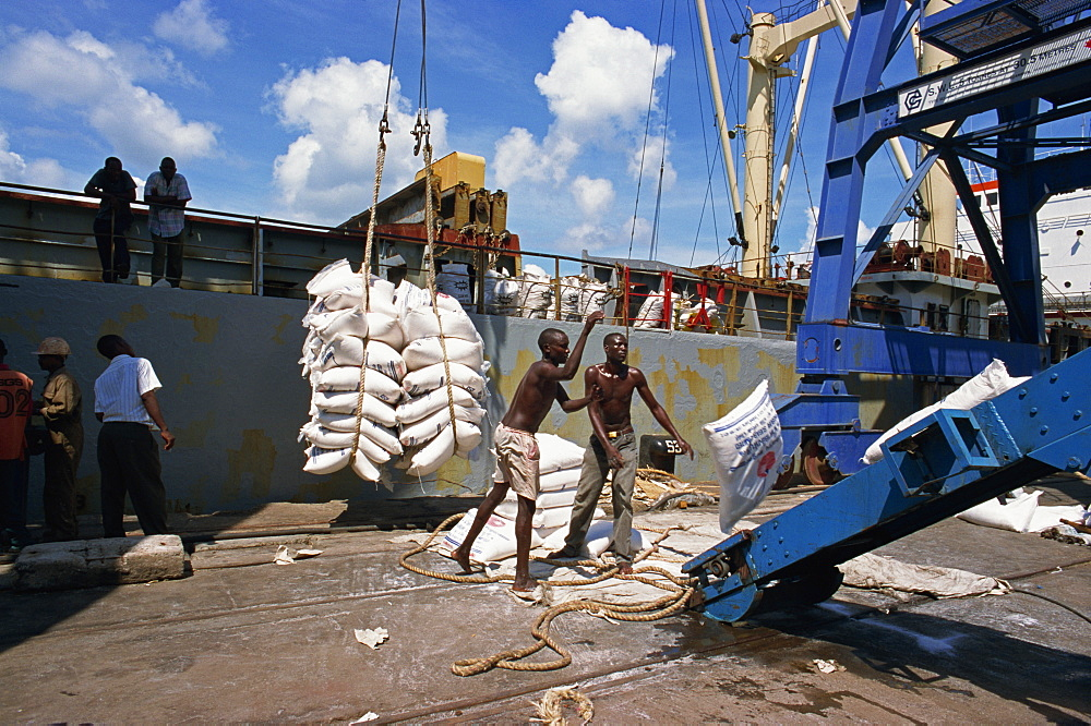 Off-loading sugar, Ya Samadu, Mombasa Harbour, Kenya, East Africa, Africa - 125-507