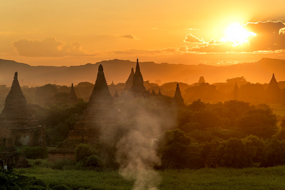 Sunset in Bagan (Pagan), Myanmar (Burma), Asia - 1250-10