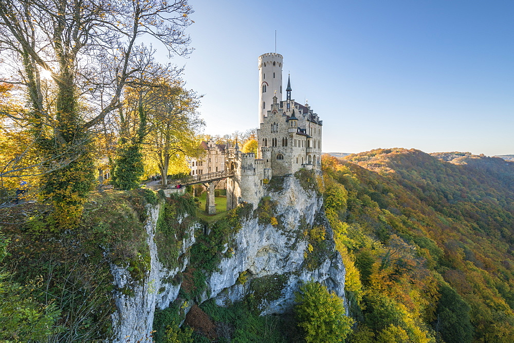 Lichtenstein Castle in autumn, Lichtenstein, Baden-Wurttemberg, Germany, Europe - 1251-409
