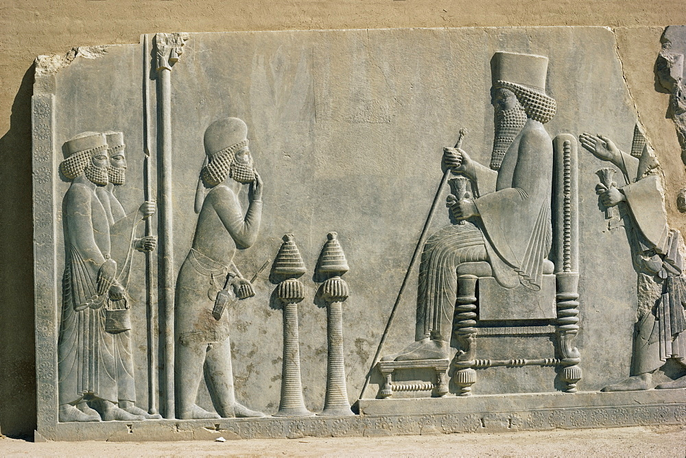 Relief of the enthronement of Darius, Persepolis, UNESCO World Heritage Site, Iran, Middle East